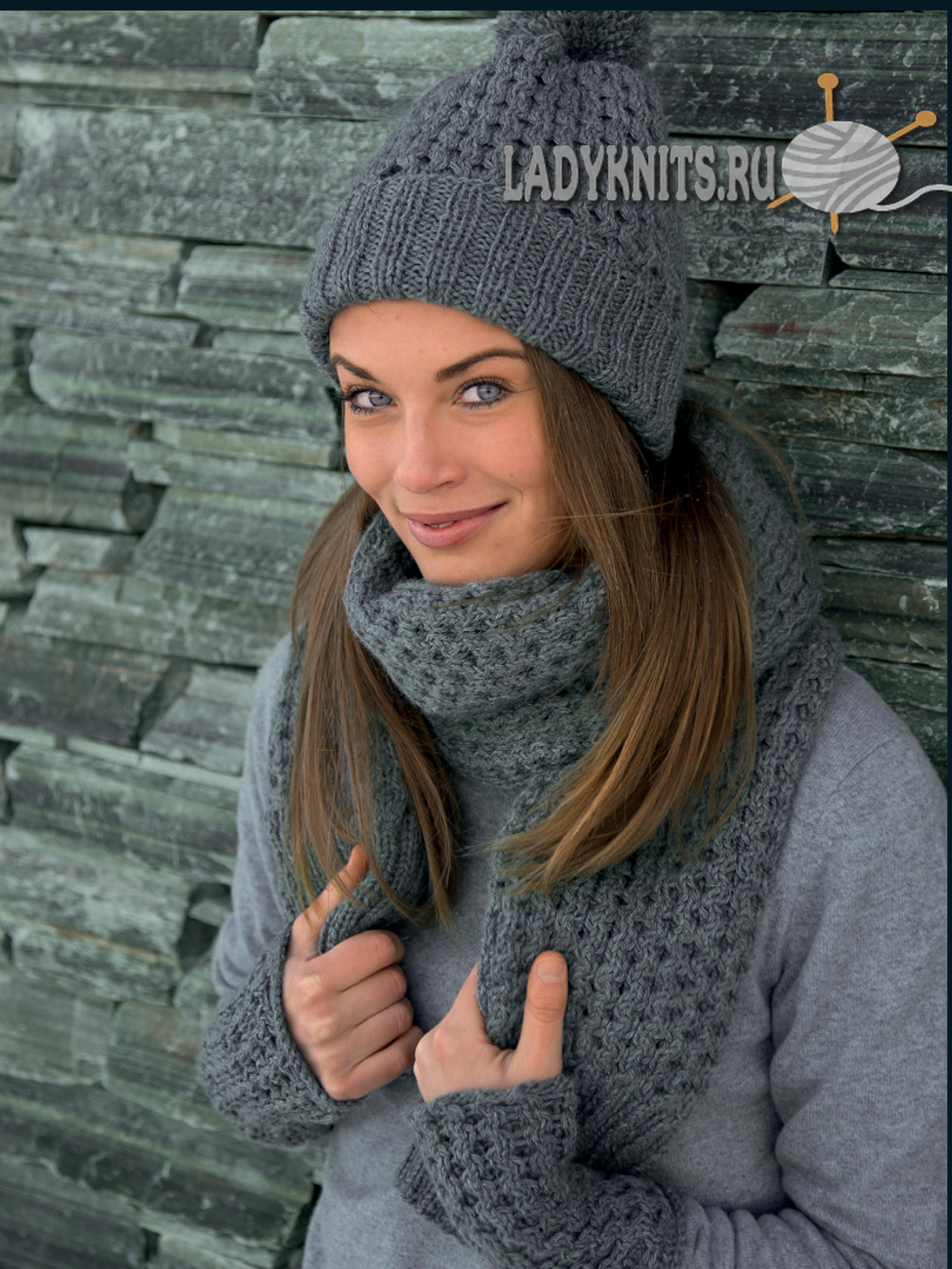 модная шапка шарф и митенки простым узором соты спицами вязание