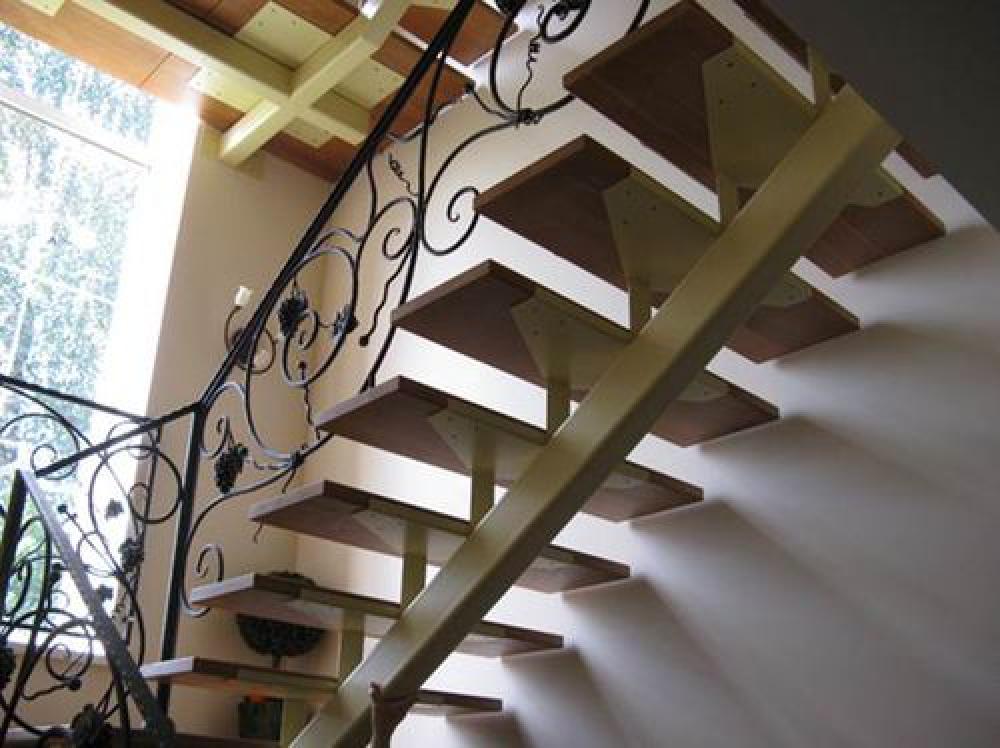 Лестница из металла на мансарду своими руками 46