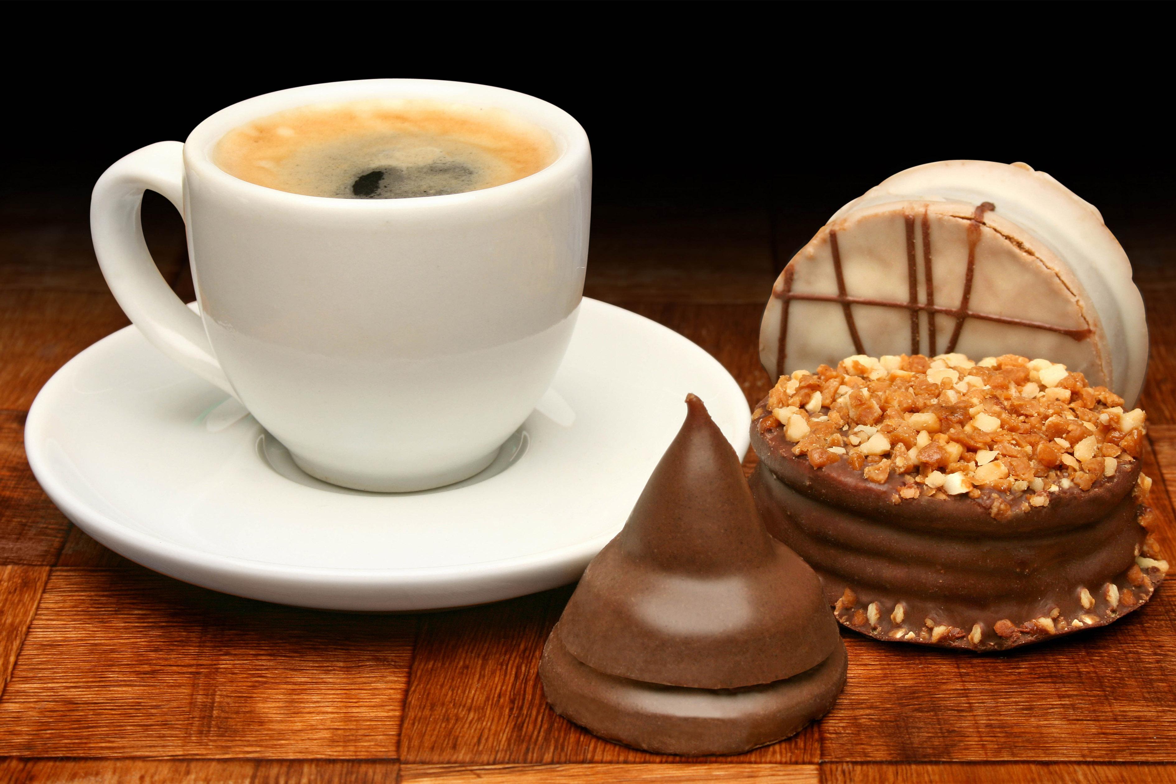 Картинки чашки кофе с пирожными