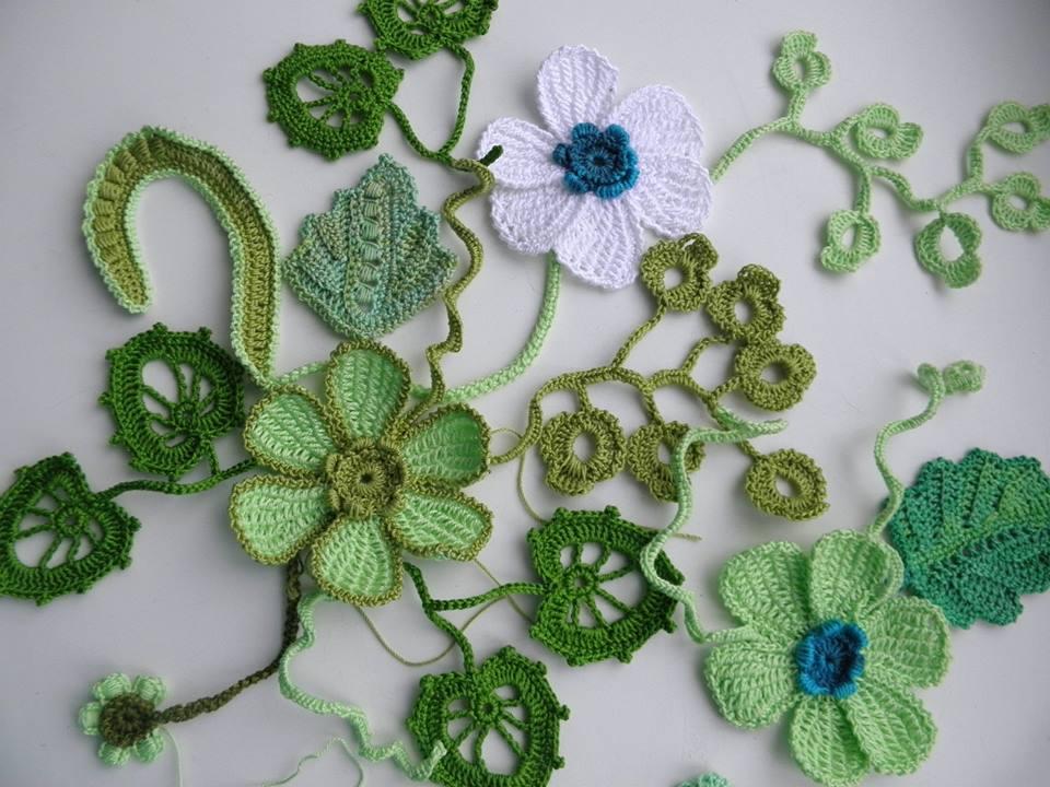 минеральных схемы и фото цветочных мотивов тунисским способом настенные часы виде