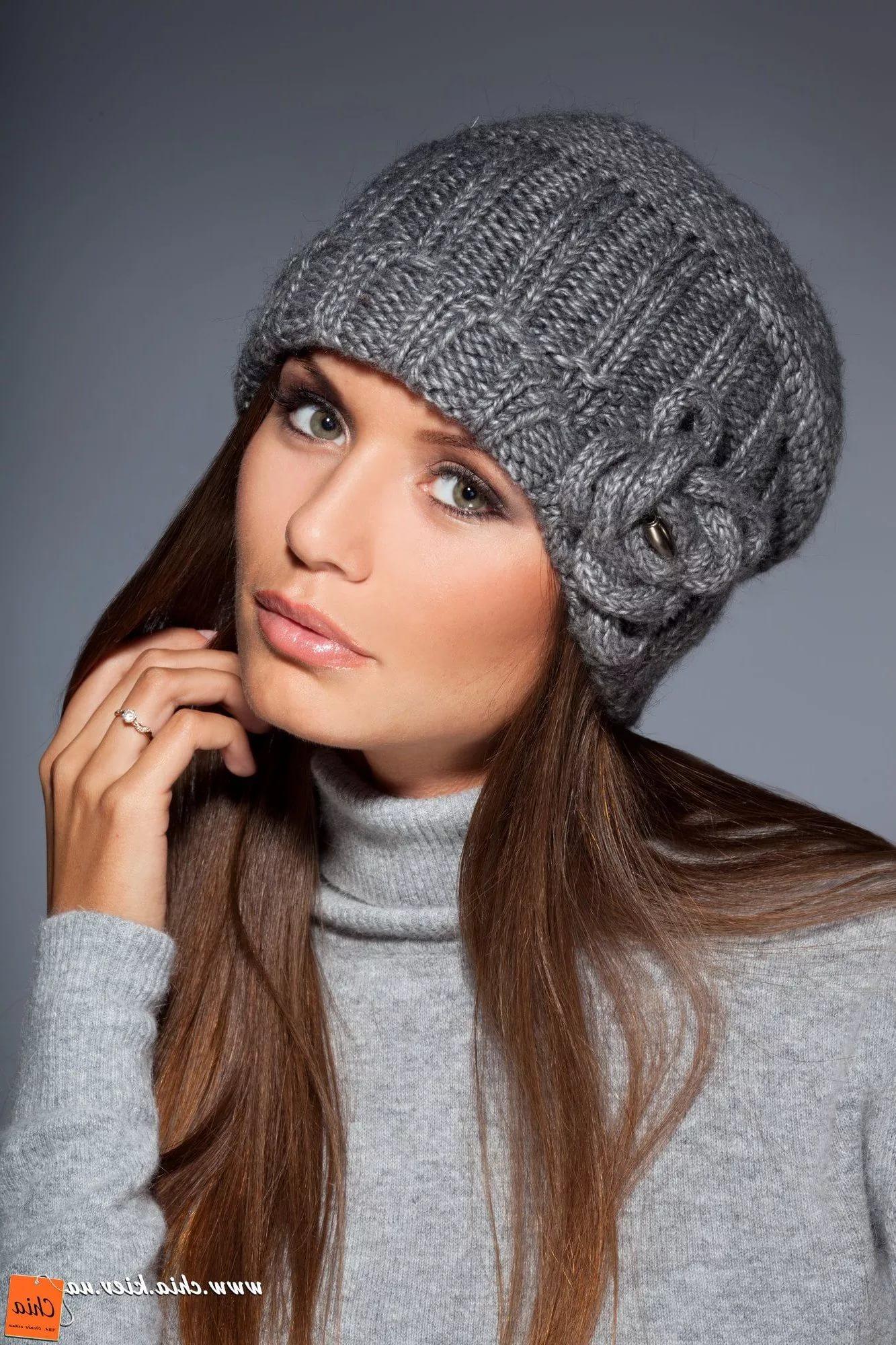 вязаная зимняя шапка спицами картинки