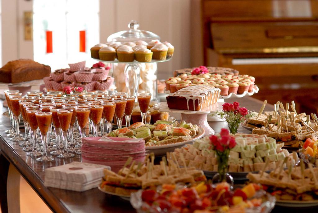 Газели машины, картинки с днем рождения еда