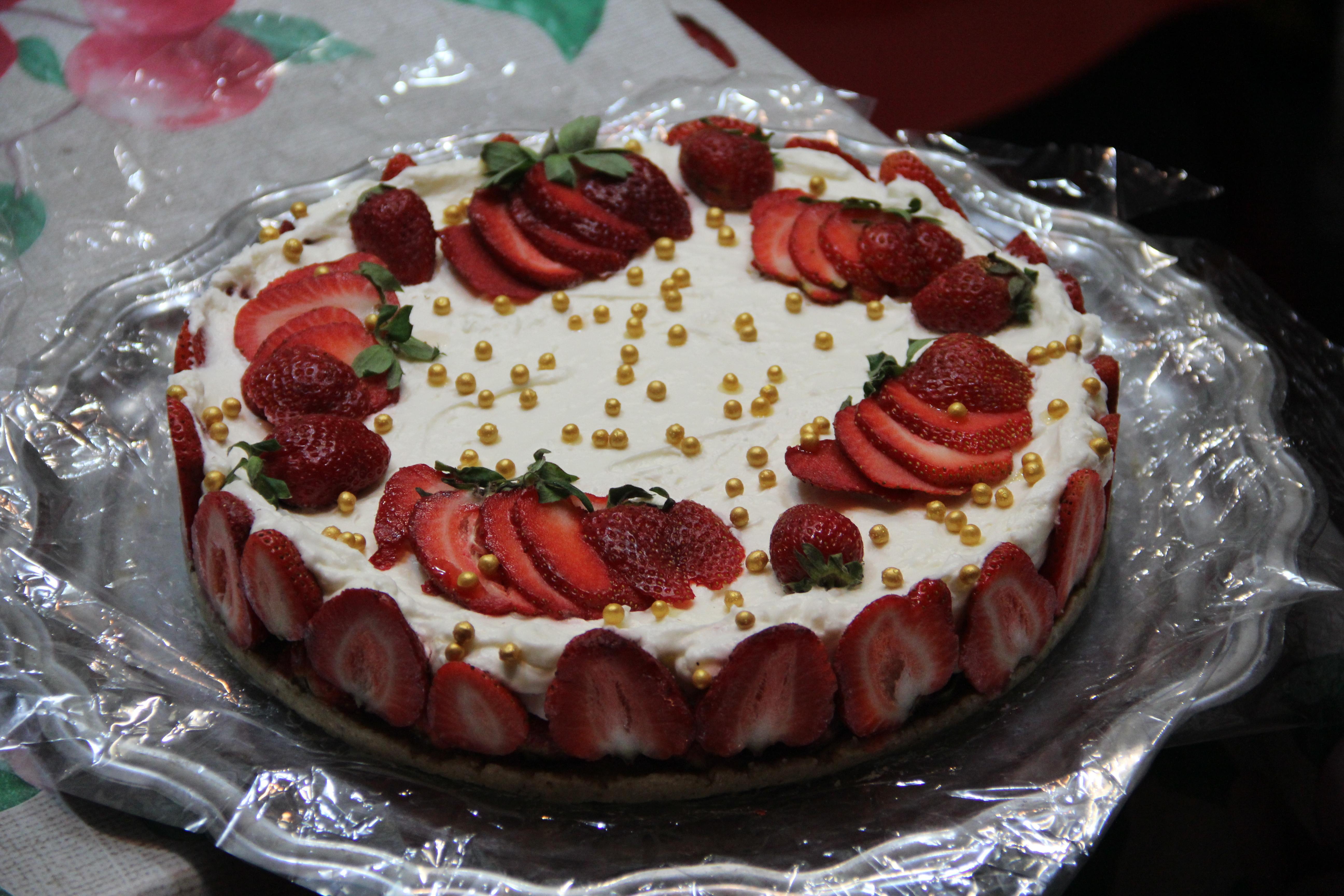 плитка простой клубничный торт рецепт с фото тянущиеся следы