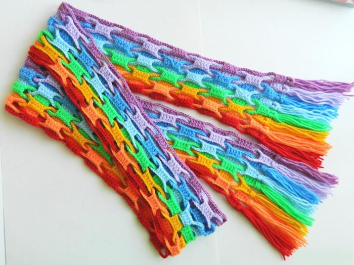 интересная техника вязания крючком шапки шарфы шали постила
