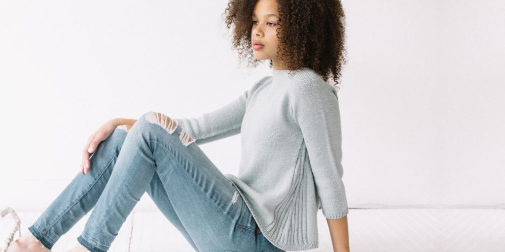 1f550a6fee32 Расклешенный пуловер Galaxie Расклешенный пуловер спицами, связанный ...