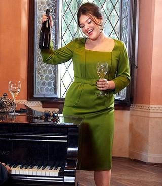 Пуловер спицами с горловиной Кармен