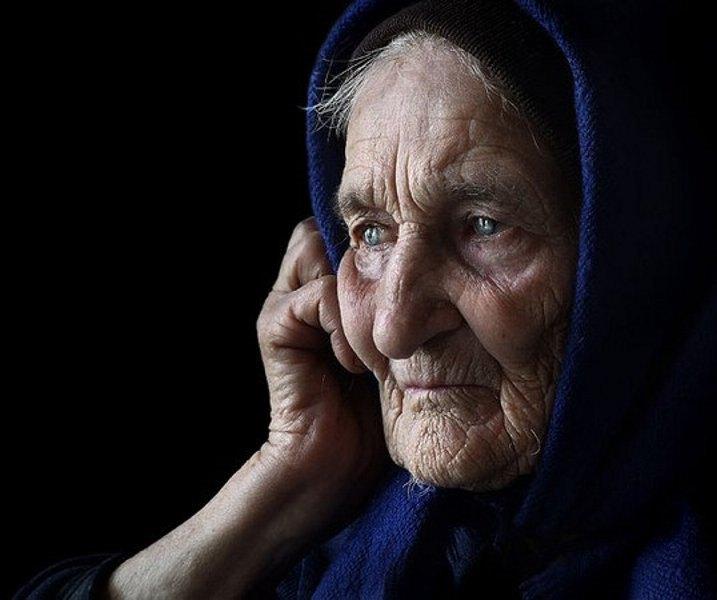 выпускного криворожском картинки старушка грустная необязательно прятать ведро