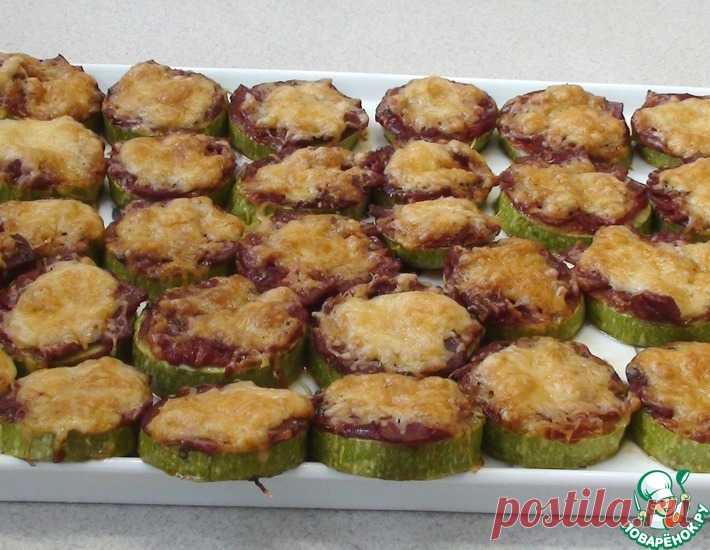 Кабачки, запеченные с соусом и салями – кулинарный рецепт