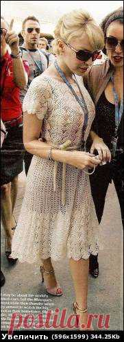 Начинаю вязать платье как у Миноуг, присоединяйтесь   рукав: боялась, что очень широкую пройму рукава сделала, но все в порядке, 9 ракушек на рукаве (не забывайте, что у меня их по кругу 24, они у меня маленькие) Вот фото процесса: