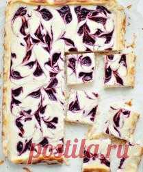 Сливовый пирог с творожной начинкой
