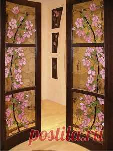 Как обновить старые двери.