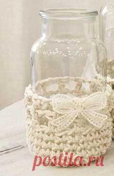Идея как сделать из любой бутылочки вазочку!