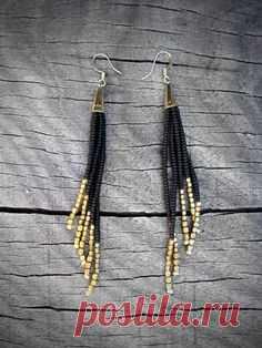 Items similar to Schwarz und Gold-Ohrringe, Perlen Fringe, amerikanische Ureinwohner inspiriert Seed Bead Ohrringe, schlanke und Sexy - ANPASSBARE Farben erhältlich on Etsy
