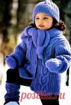 Теплая курточка для девочки Для вязания Вам потребуется: - 800 г сиреневой пряжи (50% шерсть, 50% акрил, 228м/100г) — для комплекта;  - спицы №3 и №4,5;  - набор чулочных спиц №3;  - 5 пуговиц.   Узоры вязания:  Резинка: попеременно 1лиц., 1изн.  Лицевая гладь: лиц.