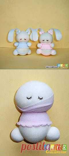 Зайки из носочков. Фото МК / Разнообразные игрушки ручной работы / PassionForum - мастер-классы по рукоделию