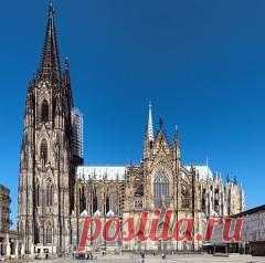 Сегодня 15 октября в 1880 году В Кельне прошло празднество в честь завершения строительства собора Святых Петра и Марии