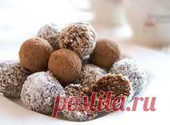 Рецепты диетических конфет Диетические конфеты можно купить в отделе для диабетиков. Но, они будут такими же калорийными, как и обычные. Если вам нужно что-то низкокалорийное, придется научиться готовить. Забирайте рецептик http://odnoklassniki.ru/group56731761967140