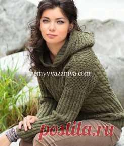 Пуловер с капюшоном сочетанием узоров