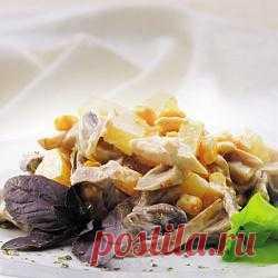 Салат «Нежный»  Модель: Мультиварка REDMOND RMC-M4505 Вид блюда: Закуски и салаты