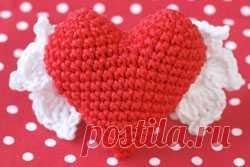 Los corazoncitos tejidos por el Día de San Valentín - los juguetes Tejidos - el Esquema de la labor de punto - el proyecto De autor de Natalia Gruhinoy