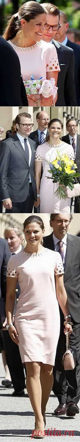 Платье с блочками на шведской принцессе Виктории / Персоны / Модный сайт о стильной переделке одежды и интерьера
