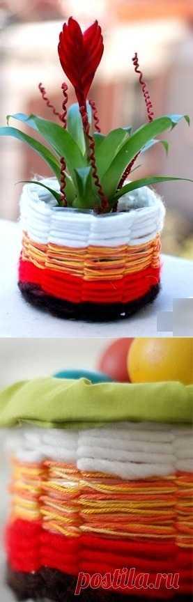 Праздничная восхитительная корзинка для пасхальных яиц или кашпо для цветов из пластиковой бутылки. Источник иностранный, фотоинструкция.