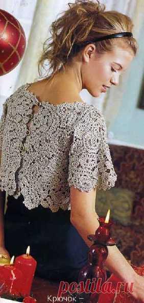 ;Золотистая блуза на пуговицах. Очень нарядно и элегантно.