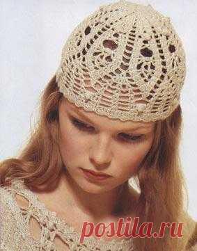 Летняя женская шапочка крючком. Вяжется довольно просто.