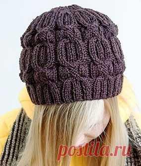 шапка бини спицами с узором жгуты вязание шапок спицами и крючком