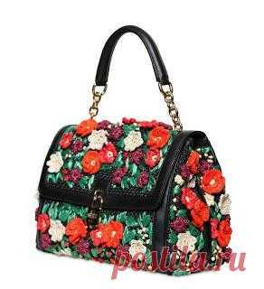 Dolce&Gabbanа 2013 - сумочки крючком ! Вот такие летние сумочки с вязаными цветами, Можно вышить старую классическую сумку и получиться супер-модный аксессуар...