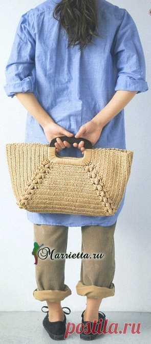 Стильная сумка крючком Недавно я поняла, что мне совершенно необходима сумка, связанная крючком. Небольшая, легкая, изящная. Обязательно свяжу себе в ближайшее время, только не могу пока определиться с фасоном. А может быть…