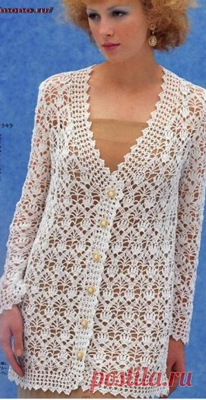 Белый ажурный кардиган   Женская одежда крючком. Схемы и описание Вот такой красивый кардиган из прошлого века я нашла на просторах интернета