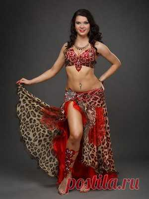 The most beautiful suits for oriental dances, a photo of dresses for belly dance