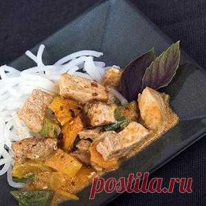 Рисовая лапша со свининой и карри. Рецепт из китайской кухни. Просто великолепно! Попробовать советую всем!