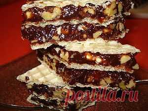 ФЛУДН - бесподобно вкусный десерт с вафлями, грецкими орехами, мёдом. Но очень калорийно!