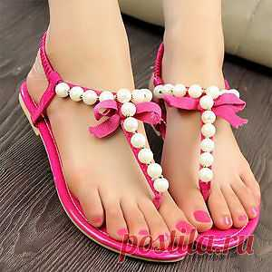 Sweet sandals in pink!!