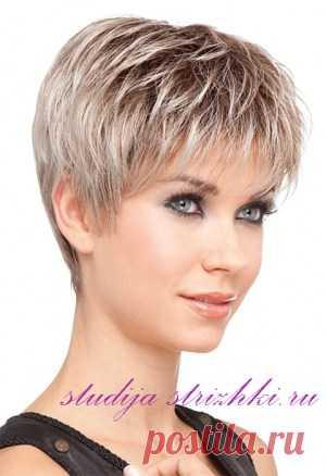 La colocación a los cabellos cortos | los Peinados y el Peinado