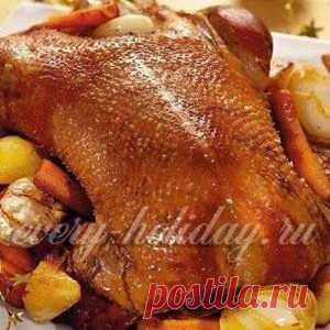 Как приготовить гуся в духовке, чтобы мясо было мягким и сочным?