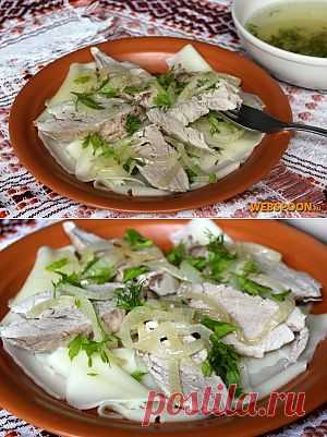 Бешбармак — блюдо среднеазиатской кухни. На киргизском языке произносится бешбармак, на башкирском и татарском — бишбармак, на казахском — бесбармак, в переводе означает «пятерня, пять пальцев», так как изначально ели его руками.