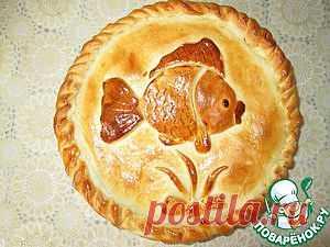 """Пирог с консервированной горбушей """"Золотая рыбка"""" - кулинарный рецепт"""