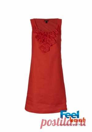 The dress is female linen, Apart