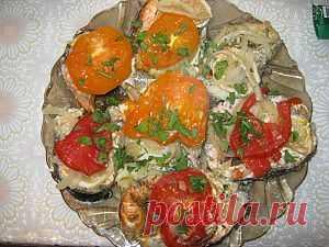 Рыба запеченная с помидорами   4vkusa.ru