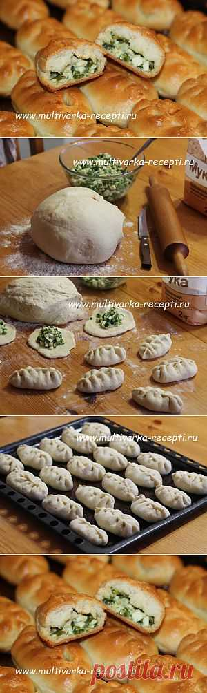 Печеные пирожки с яйцом и зеленым луком |