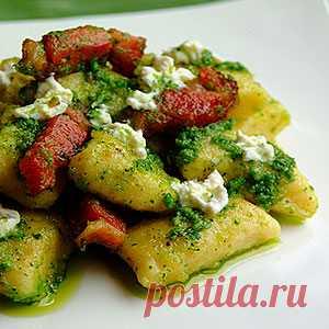 Рецепт картофельных ньок с сыром и свиной поджаркой