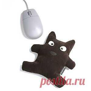 Это забавный пёсик не просто мягкая игрушка, он ни что иное, как подставка под руку, при работе с компьютерной мышью. - 620 руб