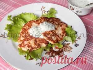 Оладьи из куриной грудки с кабачком