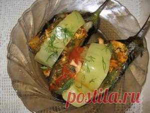 Это блюдо рецепт моей фантазии. Осталась куриная грудка и пару баклажан, вот и результат. В оригинальном рецепте фаршируют мелко рубленным фаршем