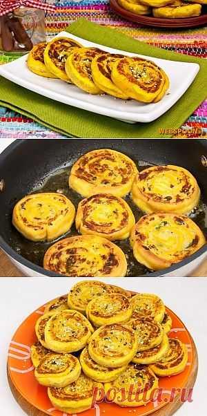 Алу патры — это традиционное индийское блюдо. А точнее — это картофельные рулеты со специями, кунжутом и кокосовой стружкой, обжаренные до золотистой корочки. Прекрасно сочетаются с томатным соусом чатни, а также со сметаной.