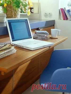 2 в 1: кухонная тумба и офисный стол.