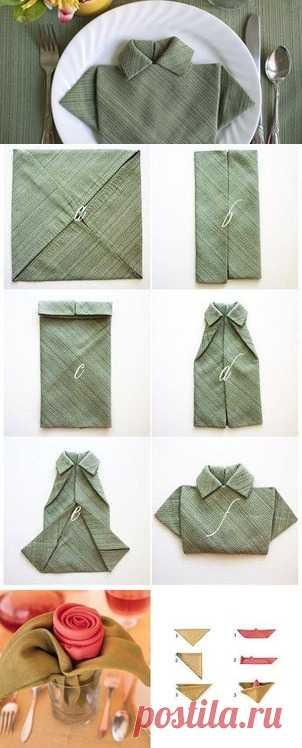 Ponemos las servilletas a la mesa de fiesta. (La descripción por la camarilla a la estampa).